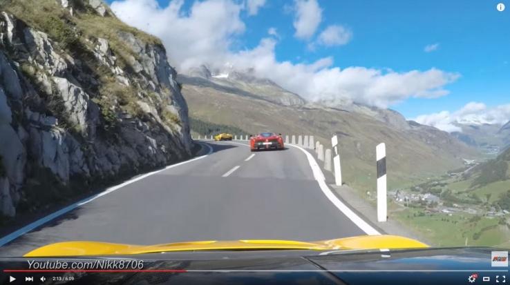 Video: McLaren P1 chases a Ferrari LaFerrari on Furkapass Switzerland-capture-jpg